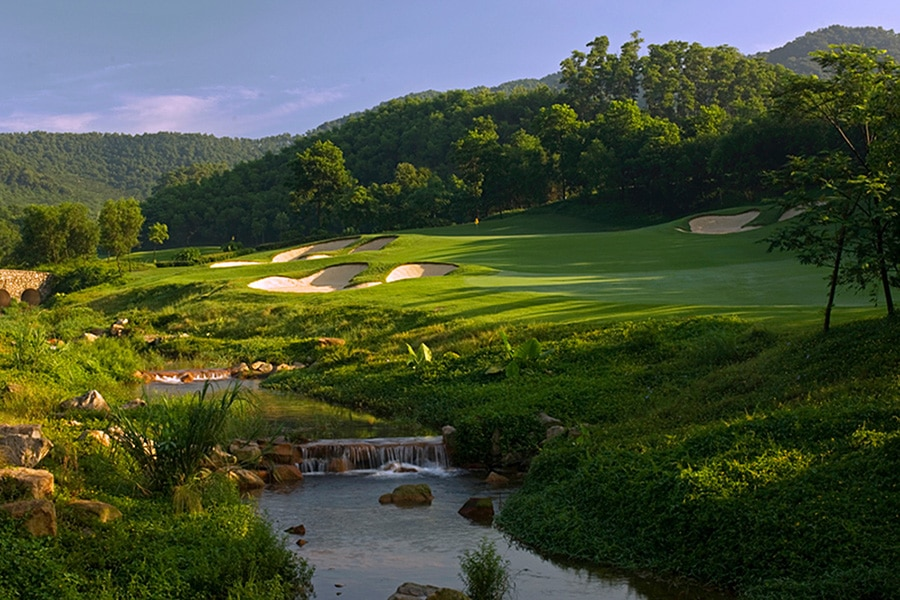 Escorted Golfing Holidays, Thailand, Vietnam, Cambodia, South Africa, Escorted Golfing Tours